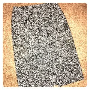 New York & Company printed pencil skirt